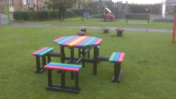 Picnic Bench in Green End Road Play Park